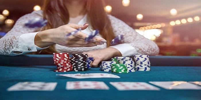 PayPal Rolls Dice on Judi Slot Online Gambling